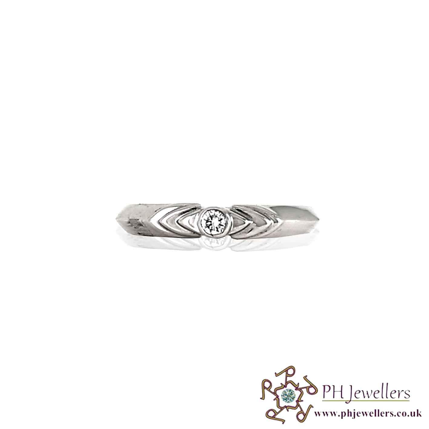 18CT 750 White Gold Diamond Size M Ring DR10
