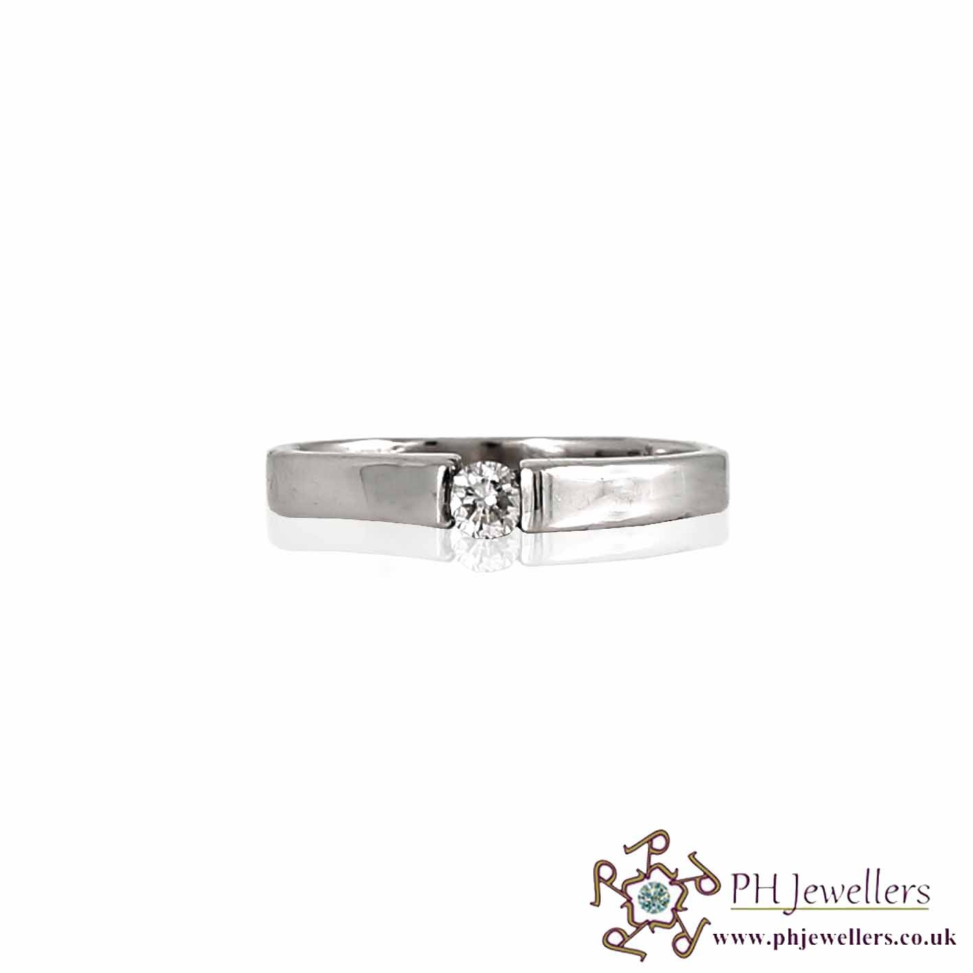 18CT 750 White Gold Engagement Diamond Size K Ring DR11