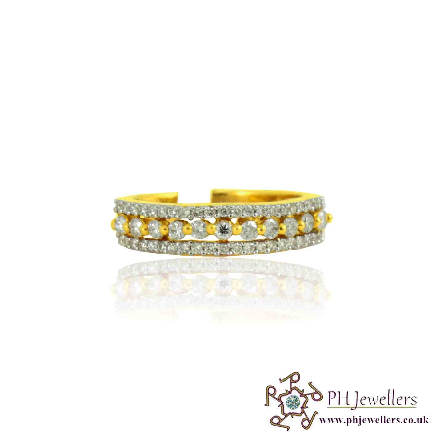 18CT 750 Hallmark Yellow Gold Diamond Size M Ring DR21