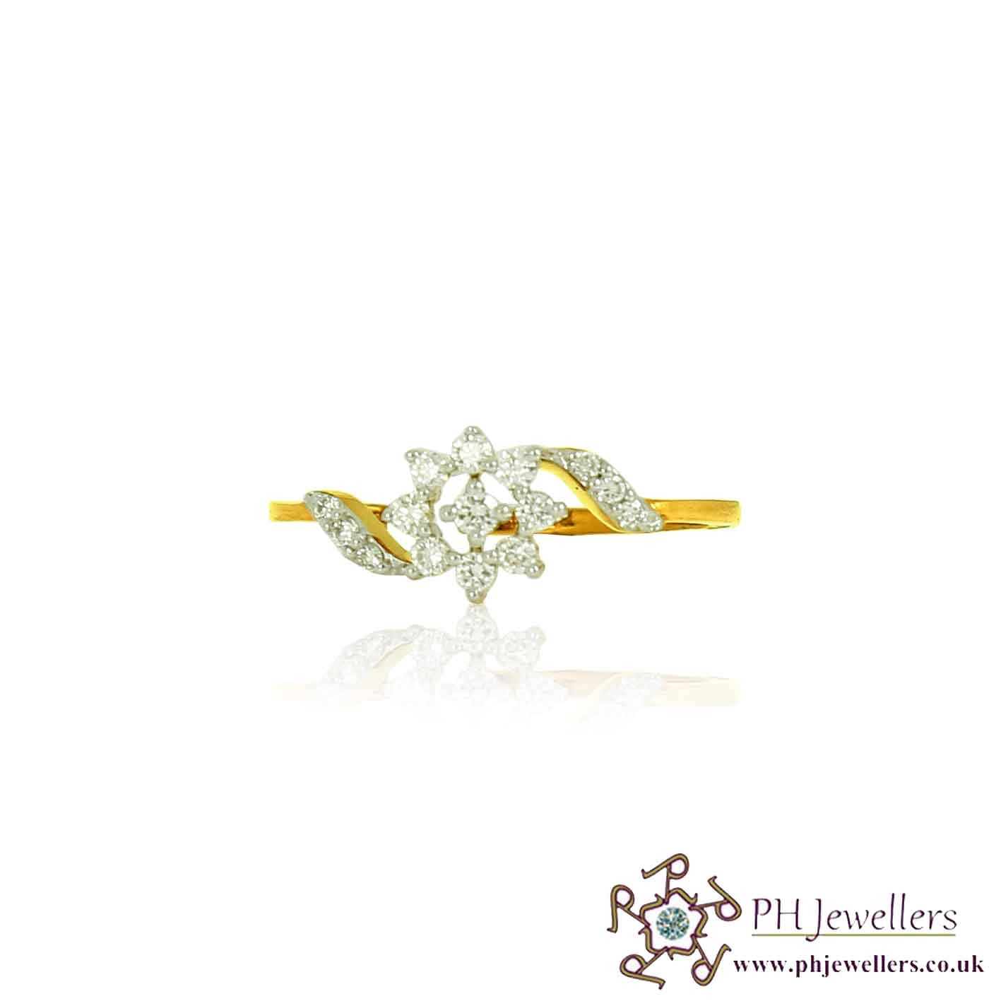 18CT 750  Yellow Gold Diamond Size L 1/2 FLOWER Ring DR39