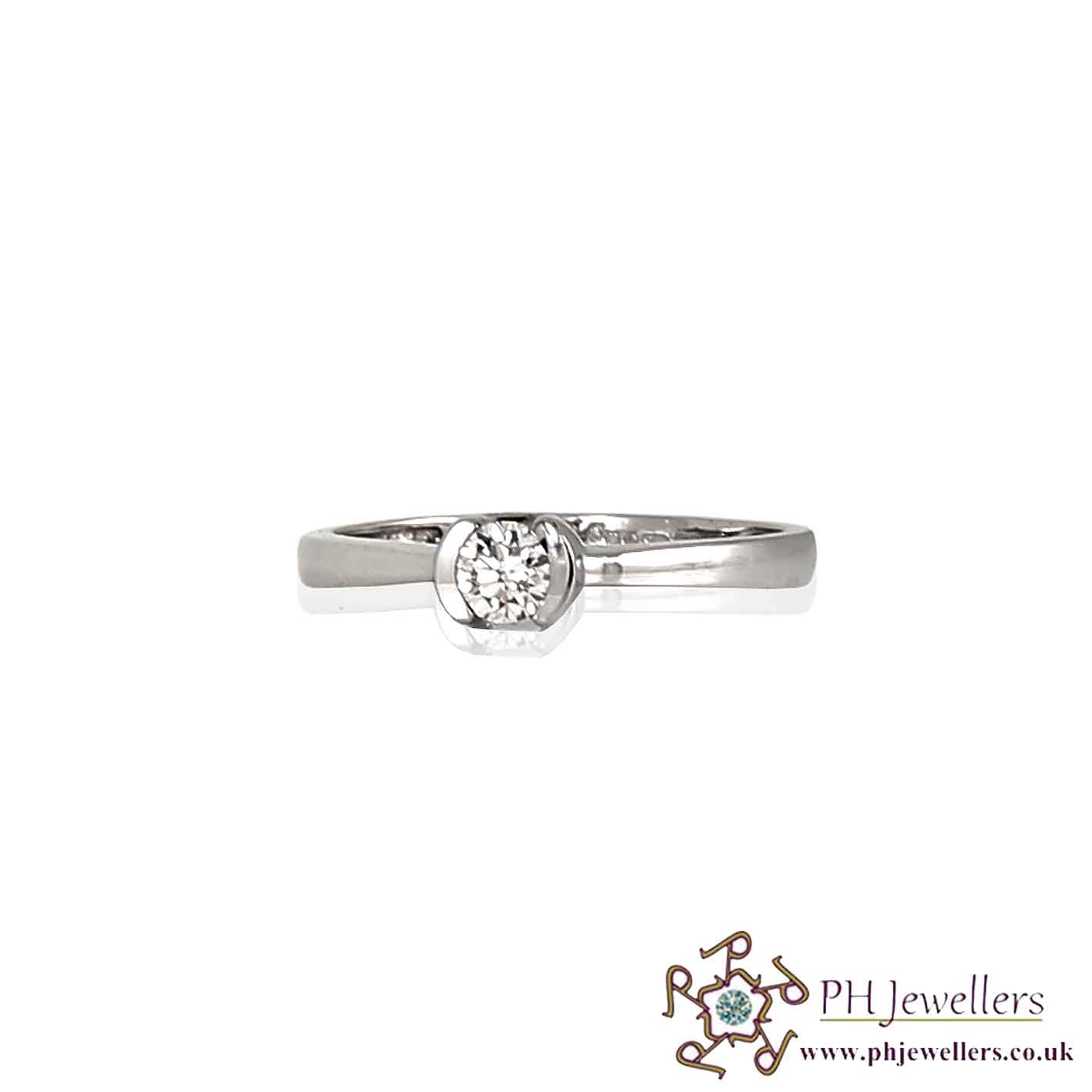 18CT 750 White Gold Engagement Diamond Size M Ring DR7