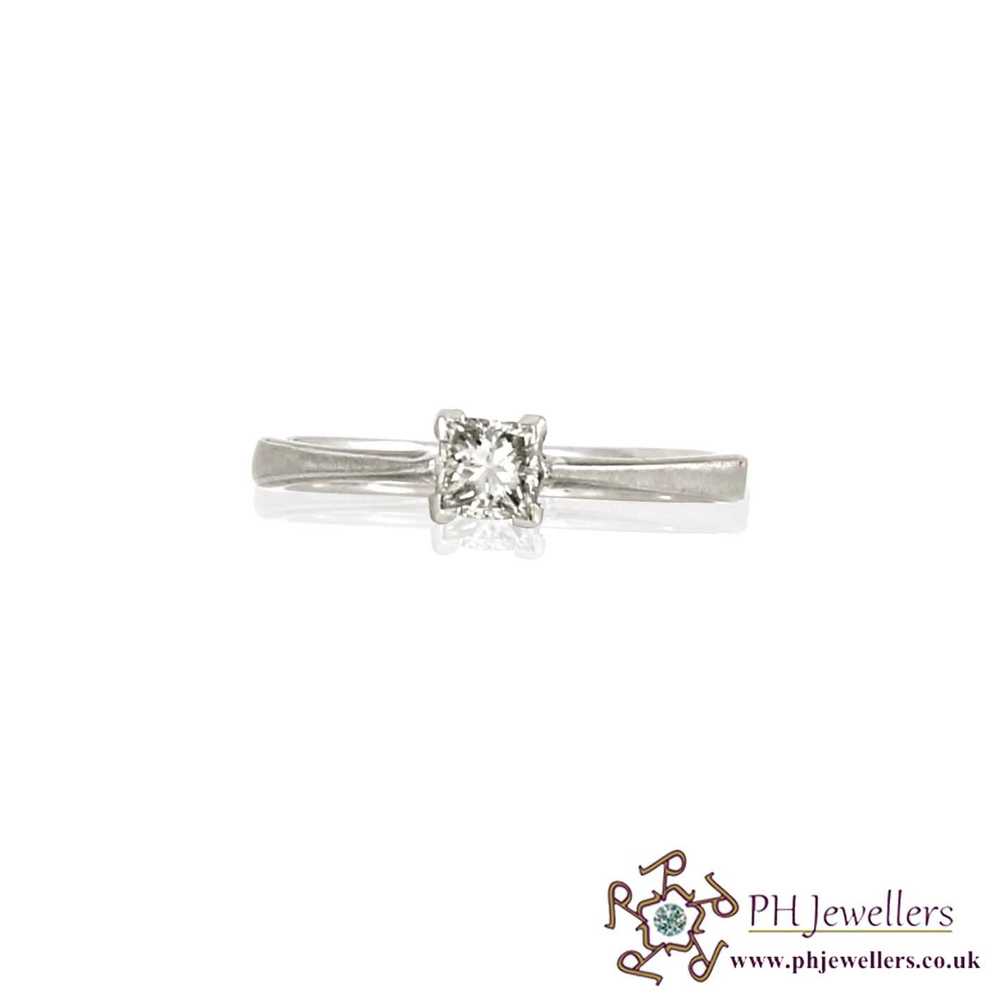 18CT 750 White Gold Engagement Diamond Size L Ring DR918CT 750 White Gold Engagement Diamond Size L Ring DR9