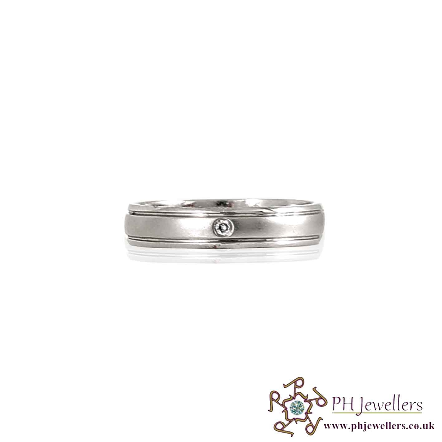 18CT 750 White Gold Wedding Band Diamond Size Q Ring DWB1