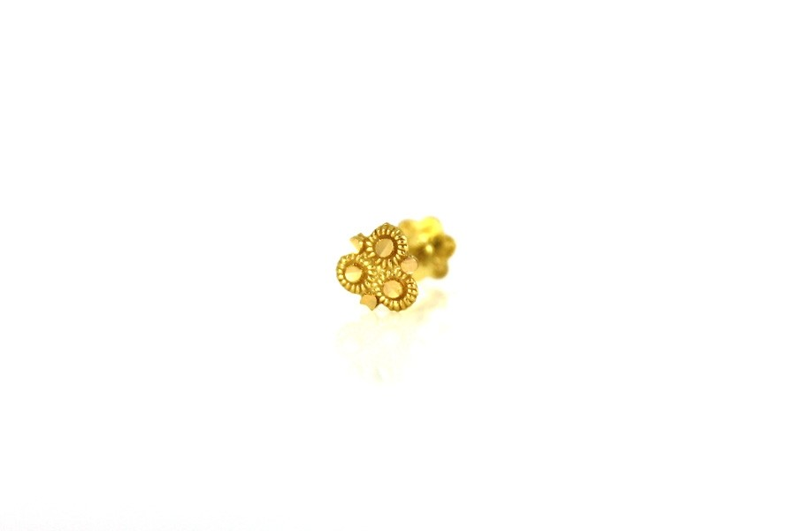22ct 916 Yellow Gold  Triangle  Screw Nose Stud  NSS32