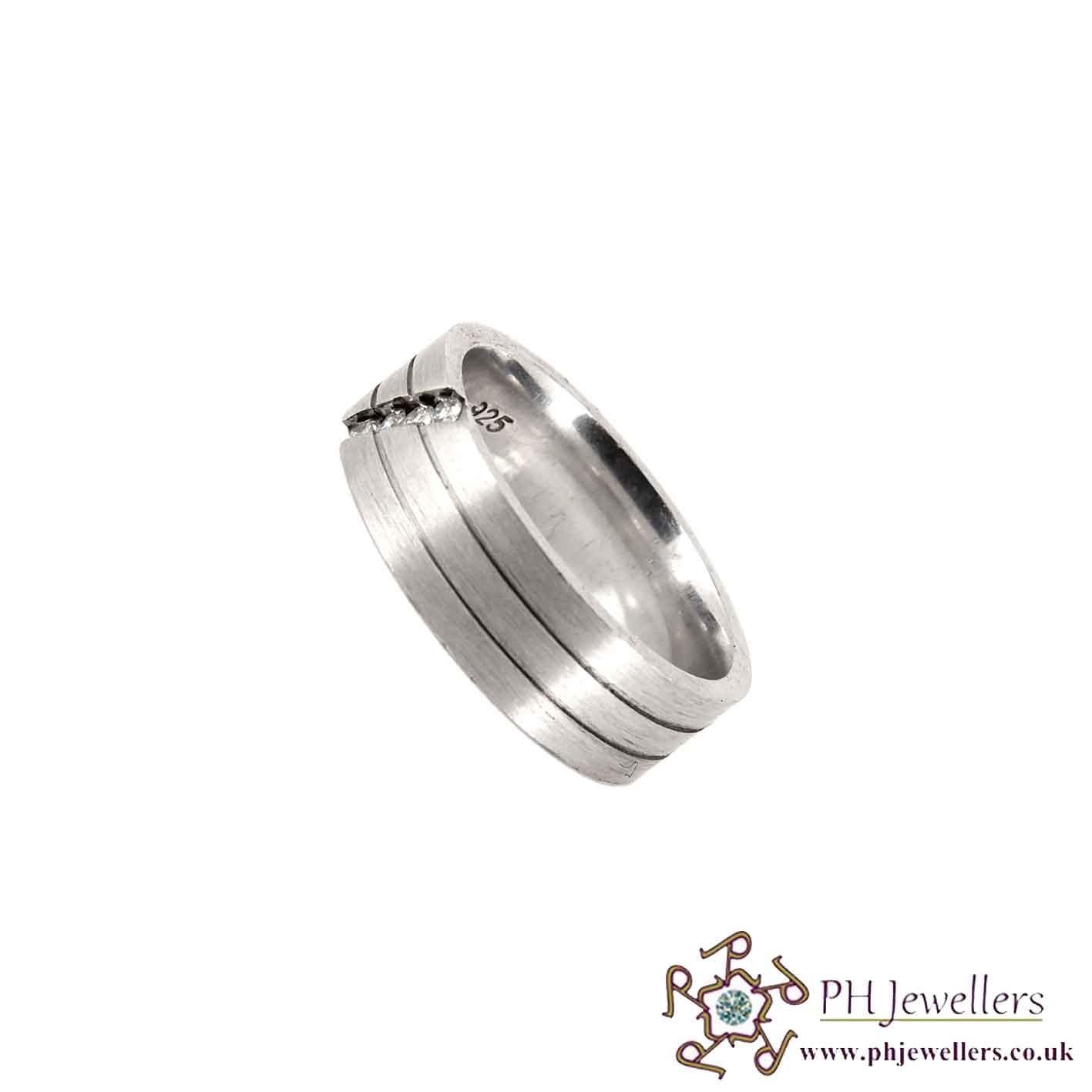 925 Sterling Silver Size T Rhodium Ring CZ SIWB2