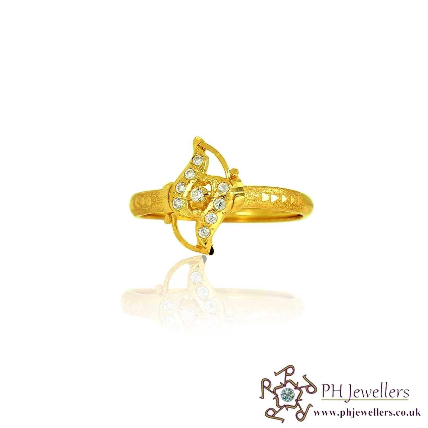 22ct  Yellow Gold Ring with CZ  Stones Size N CZ SR159