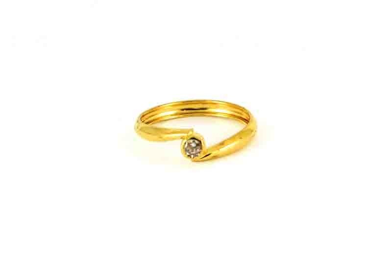 22ct  Yellow Gold Light Engagement Ring with CZ Stone Size N  SR166