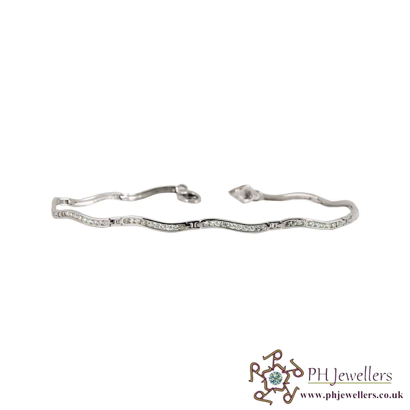 18CT 750 Hallmark White Gold Bracelet CZ WGLB10