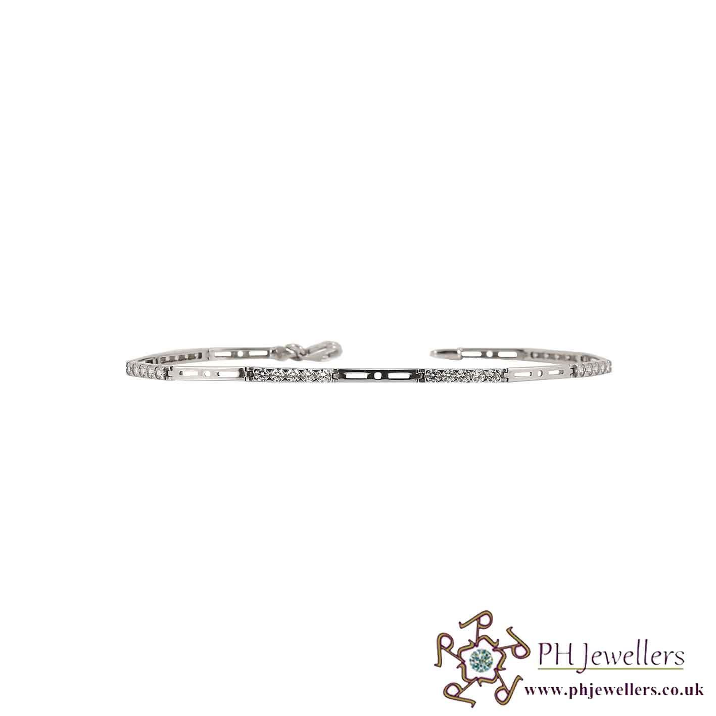18CT 750 Hallmark White Gold Bracelet CZ WGLB9