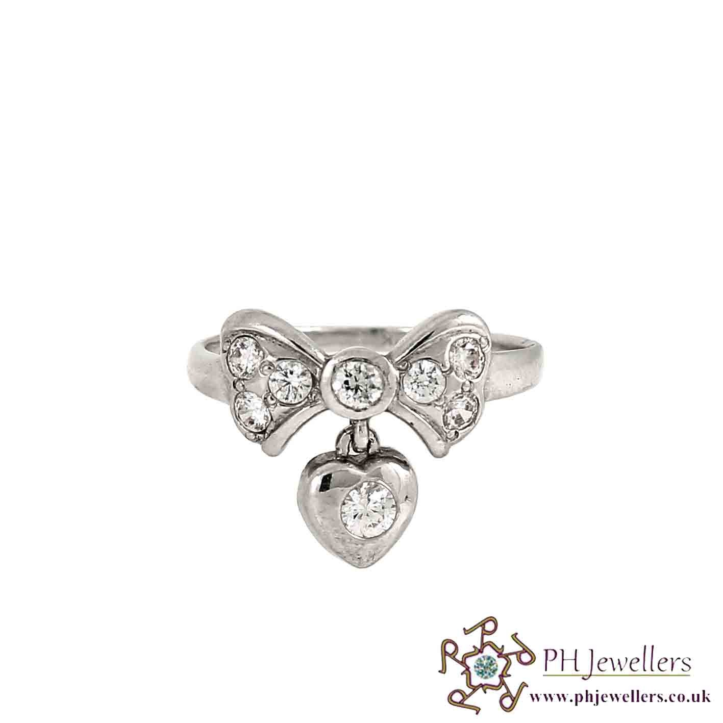 18CT 750 White Gold Butterfly With Love Heart Drop Ring CZ Size L WGR11