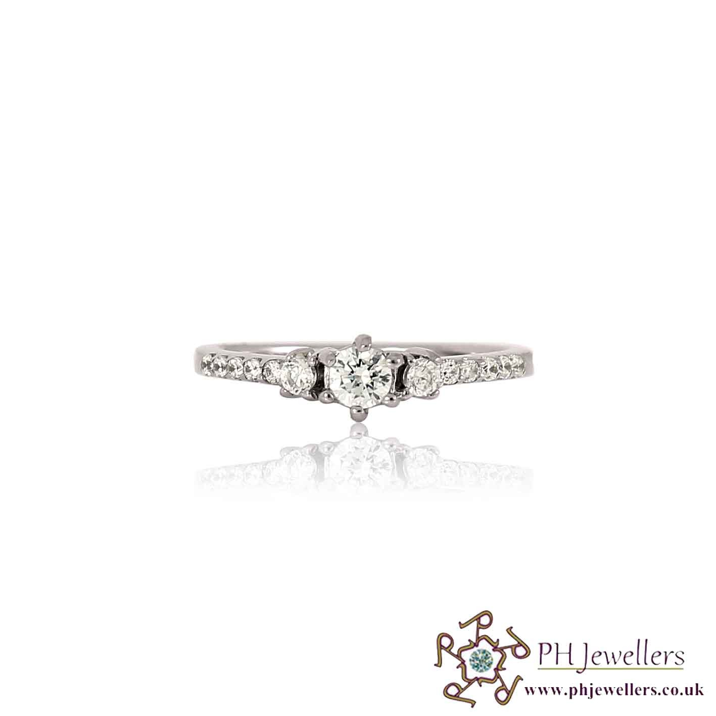 18CT 750 White Gold Engagement Ring CZ Size L WGR8
