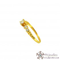 18CT 750 Yellow Gold Diamond Size N 1/2 Ring DR13