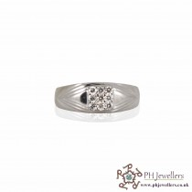 18CT 750 Hallmark White Gold Size Q,R Ring CZ WGR3